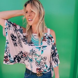 Tops - Batwing Floral Shirt - Perfect for Travel